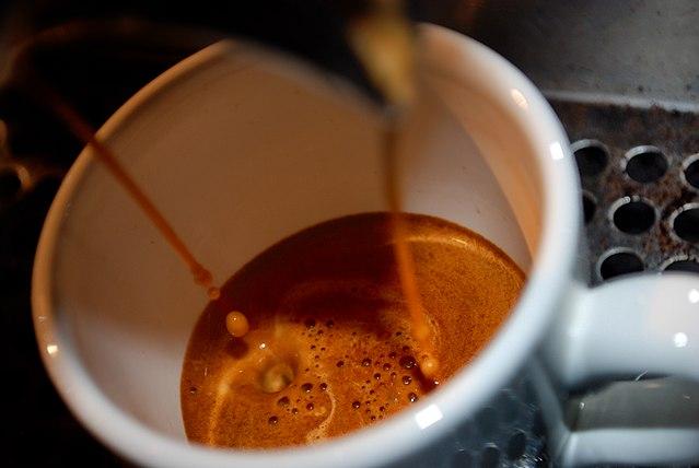 عصاره گیری قهوه دوپیو یا دبل با دستگاه اسپرسو ساز