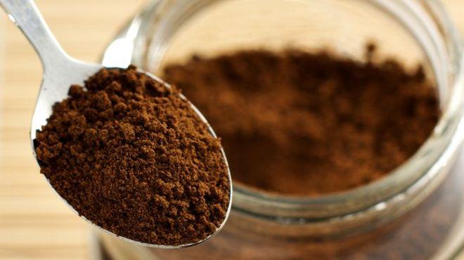 قهوه فوری جزو محبوبترین نوشیدنی ها در دنیا می باشد اما دقت کنید که از قهوه فوری استفاده نکنید