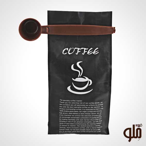 یکی از مهمترین نکات نگه داری قهوه بسته بودن درب و یا پاکت آن می باشد زیرا اکسیژن قاتل عطر و طعم و تازگی قهوه است