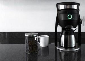 چراغ سبز در قهوه ساز به این معنی است که قهوه آماده است.