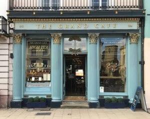 گراند کافه در آکسفورد در مکان نخستین قهوه خانه ی بریتانیا قرار گرفته است. عکس: مندی هربی