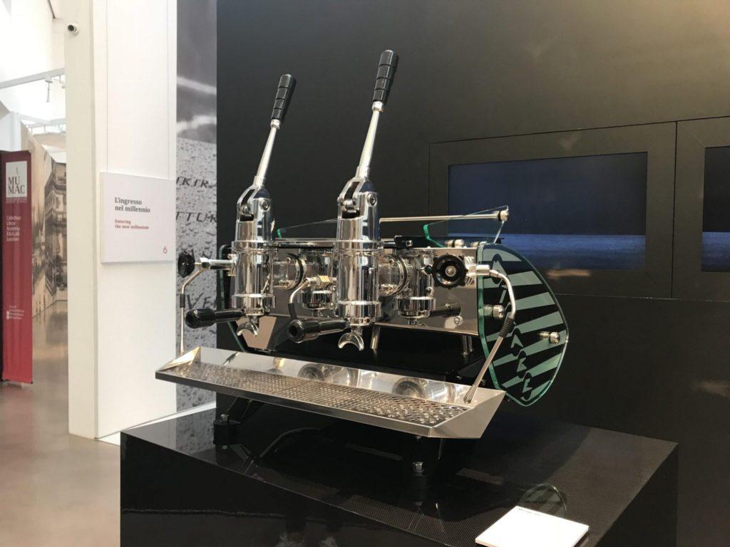 Mirage Idro دستگاه های اهرمی است که توسط یک تولید کننده هلندی به نام Kees van der Western ساخته می شود
