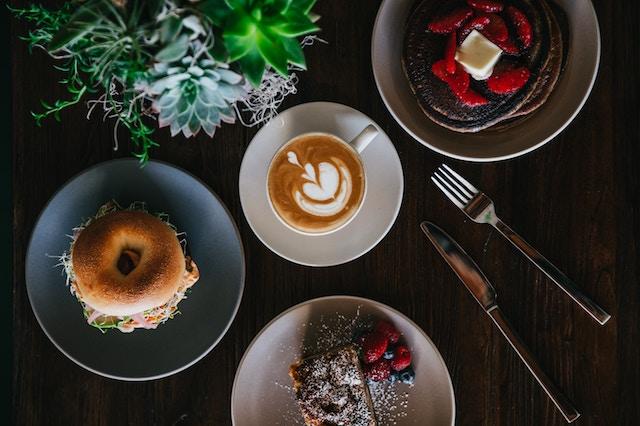 صبحانه با نوشیدنی با پایه اسپرسو