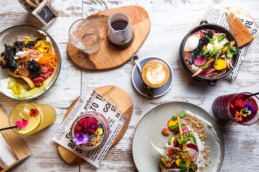 انواع گوناگون غذا و نوشیدنی برای برآورده کردن انتظارات مشتری