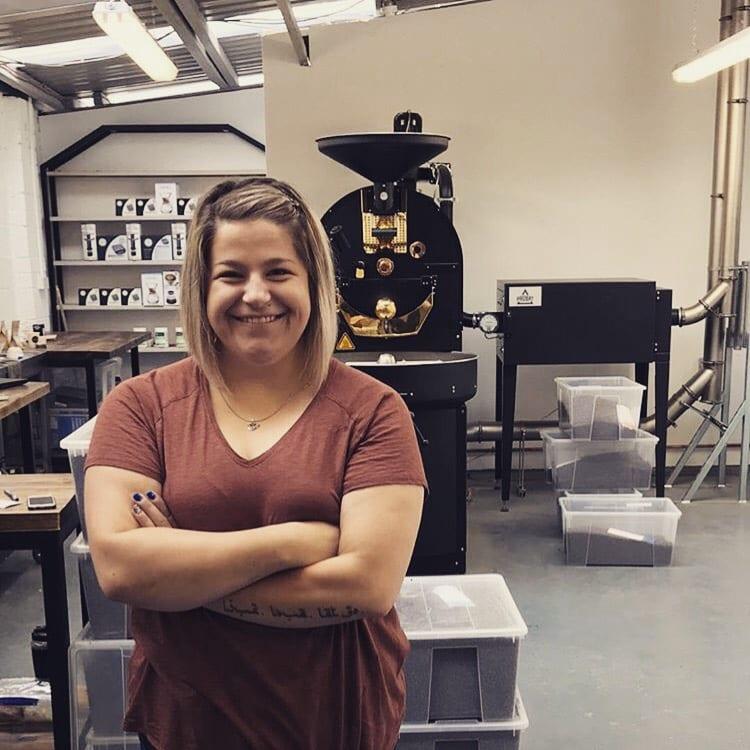 ناتالیا گرابوسکا در یک مرکز برشته کردن