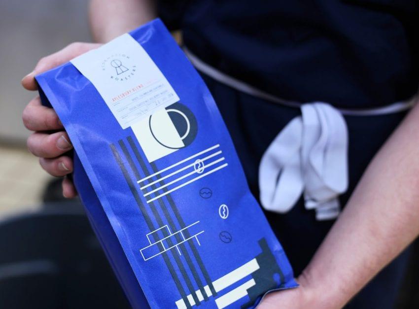 تصویر : یک کیسه دانه قهوه از Redemption Roasters