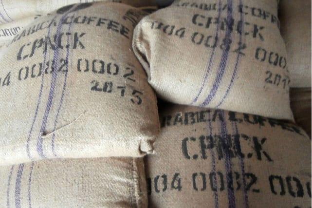 کیسه های قهوه که در CPNCK آماده صادرات هستند
